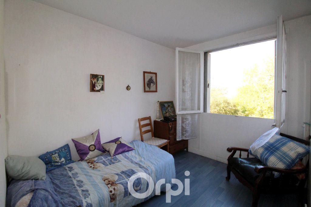Appartement à vendre 3 63m2 à Lagny-sur-Marne vignette-6