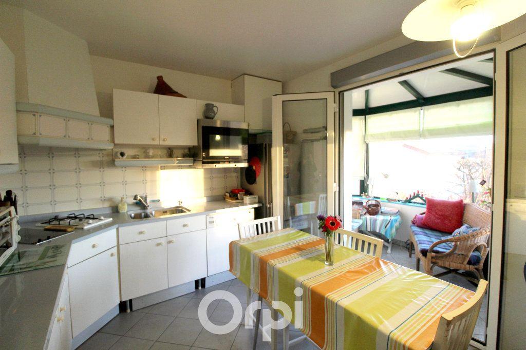 Maison à vendre 7 130m2 à Thorigny-sur-Marne vignette-9