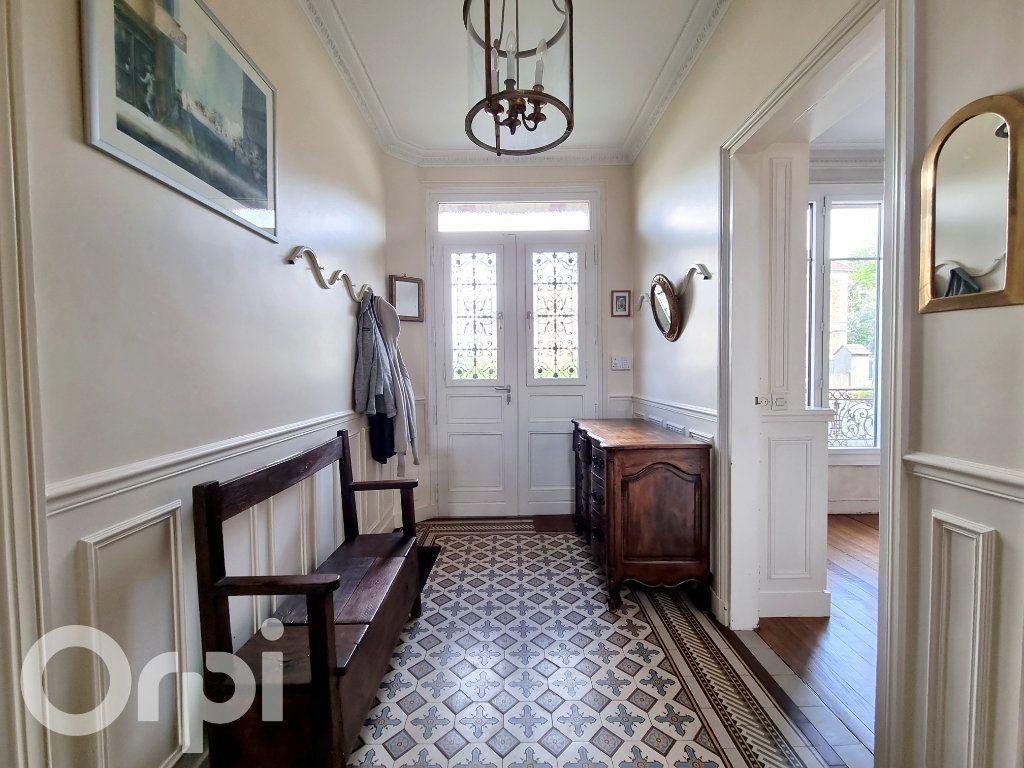 Maison à vendre 10 241m2 à Lagny-sur-Marne vignette-4