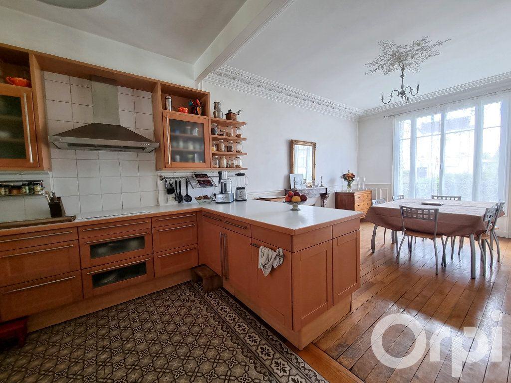 Maison à vendre 10 241m2 à Lagny-sur-Marne vignette-6