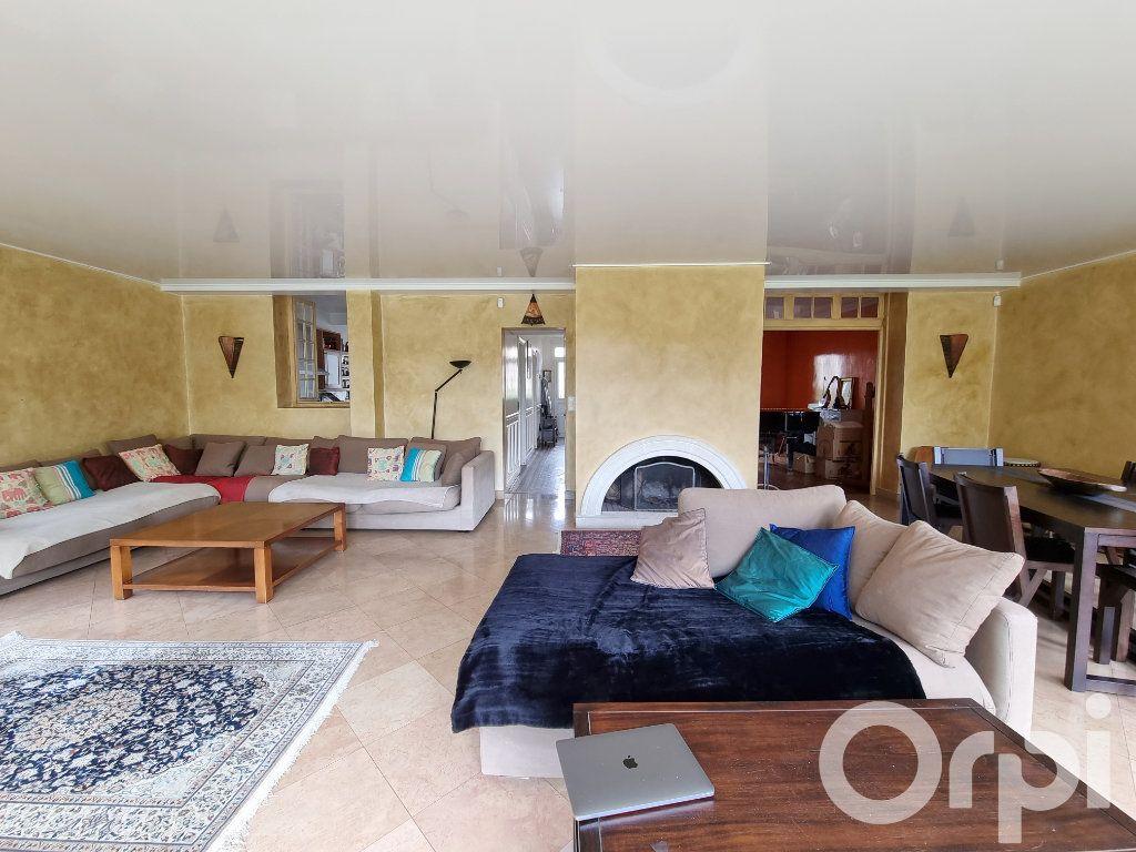 Maison à vendre 10 241m2 à Lagny-sur-Marne vignette-9