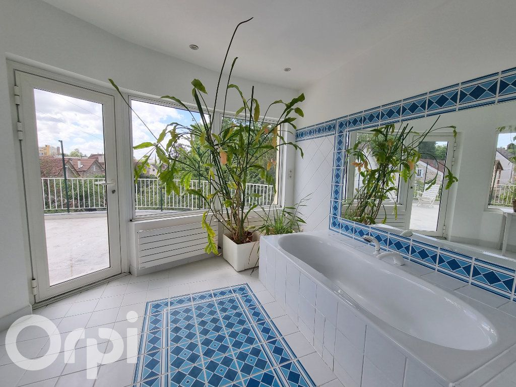 Maison à vendre 10 241m2 à Lagny-sur-Marne vignette-12