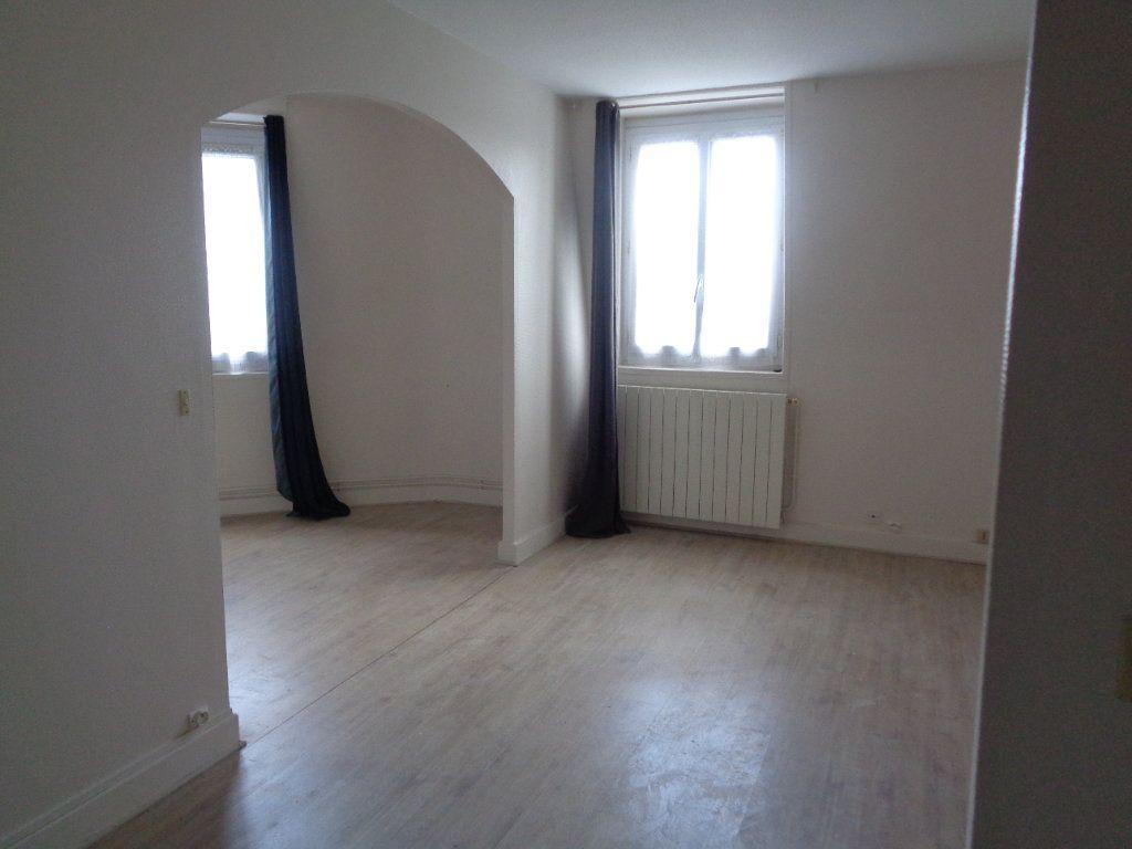 Appartement à louer 2 42.46m2 à Neuilly-Plaisance vignette-1