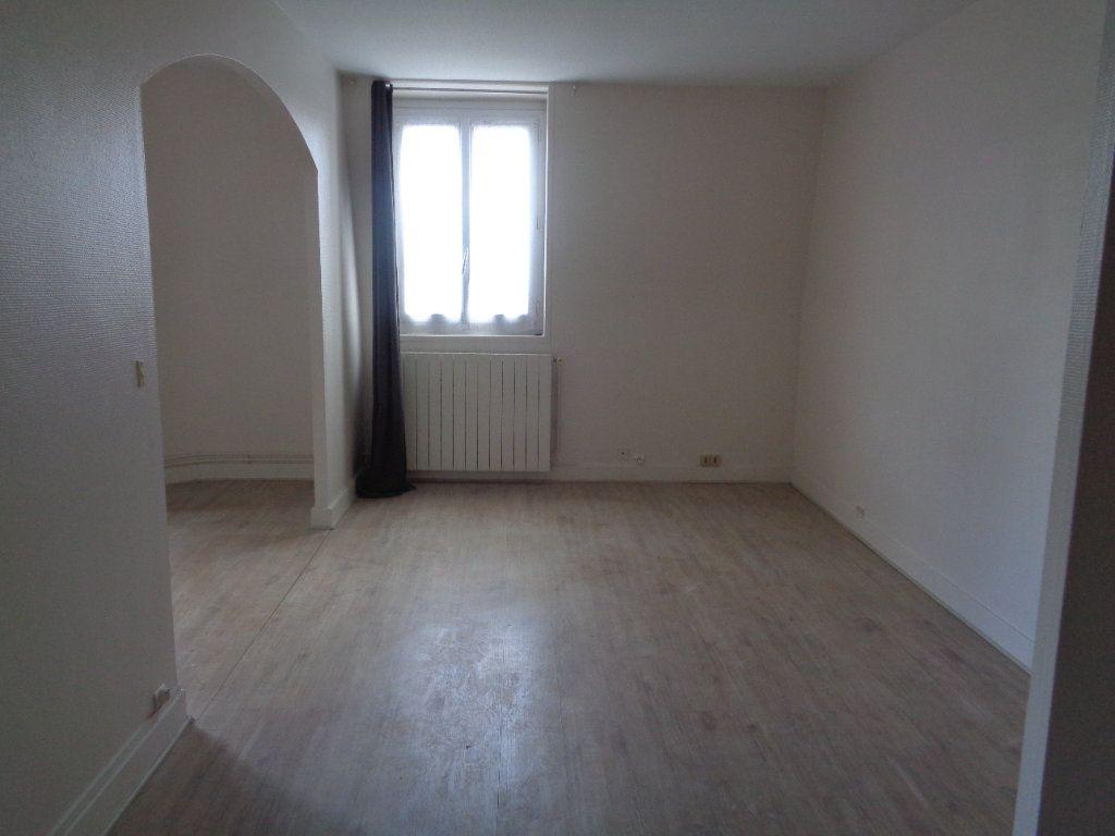 Appartement à louer 2 42.46m2 à Neuilly-Plaisance vignette-3