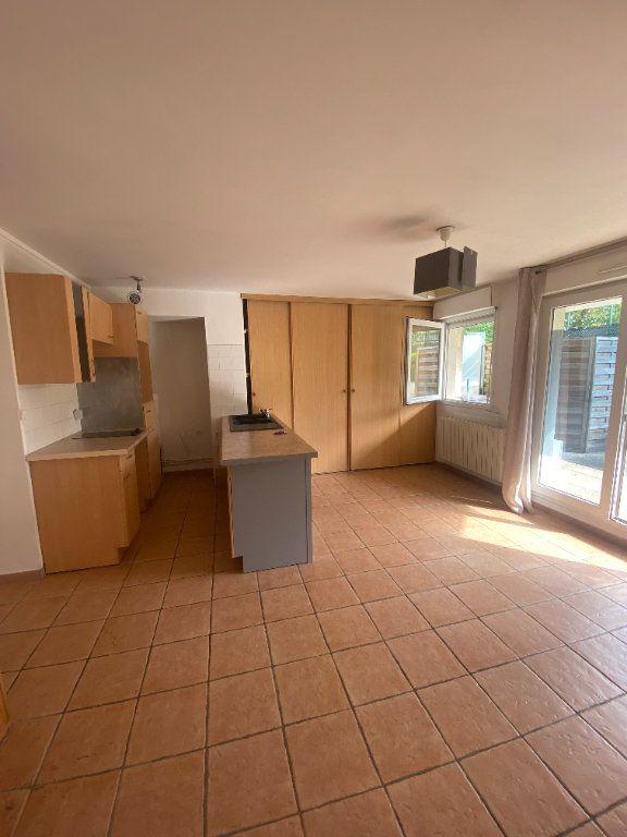 Appartement à louer 1 31.11m2 à Rosny-sous-Bois vignette-2