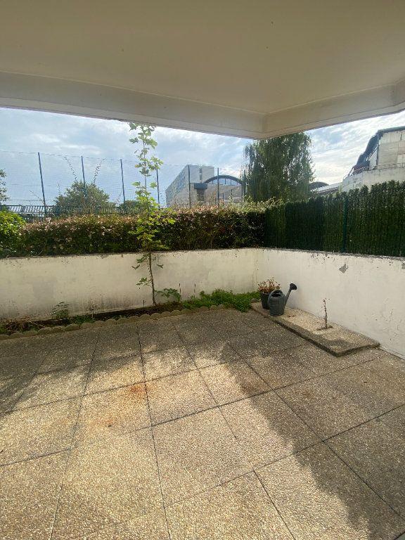 Appartement à louer 1 31.11m2 à Rosny-sous-Bois vignette-3