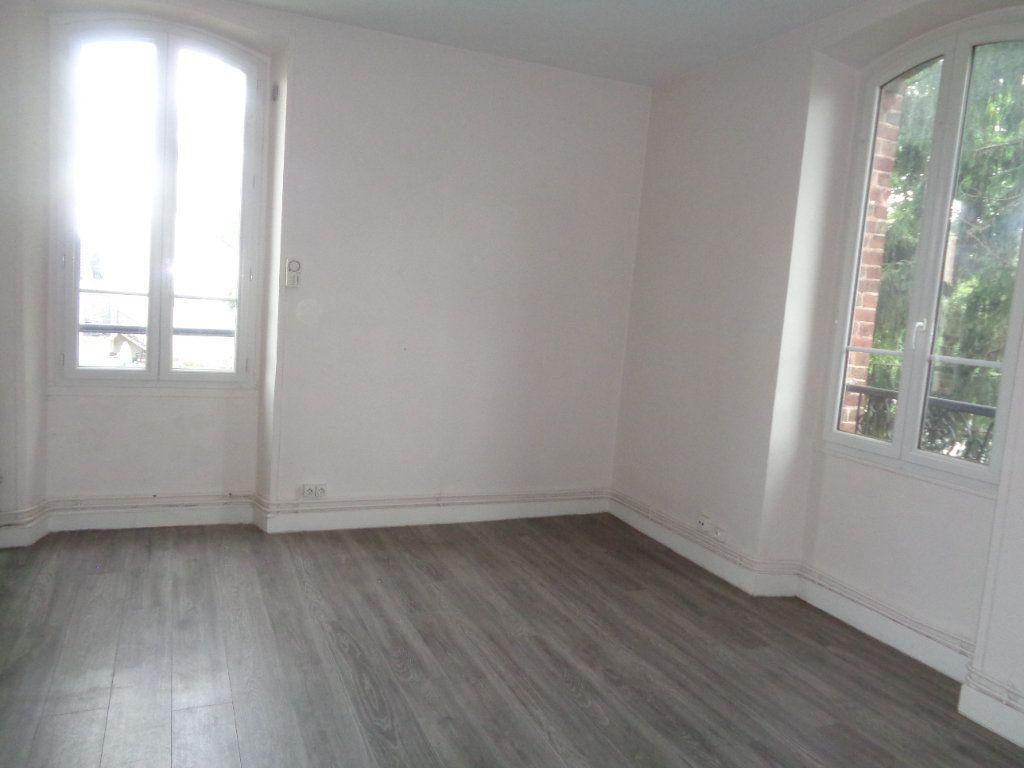 Appartement à louer 2 36.55m2 à Neuilly-Plaisance vignette-1