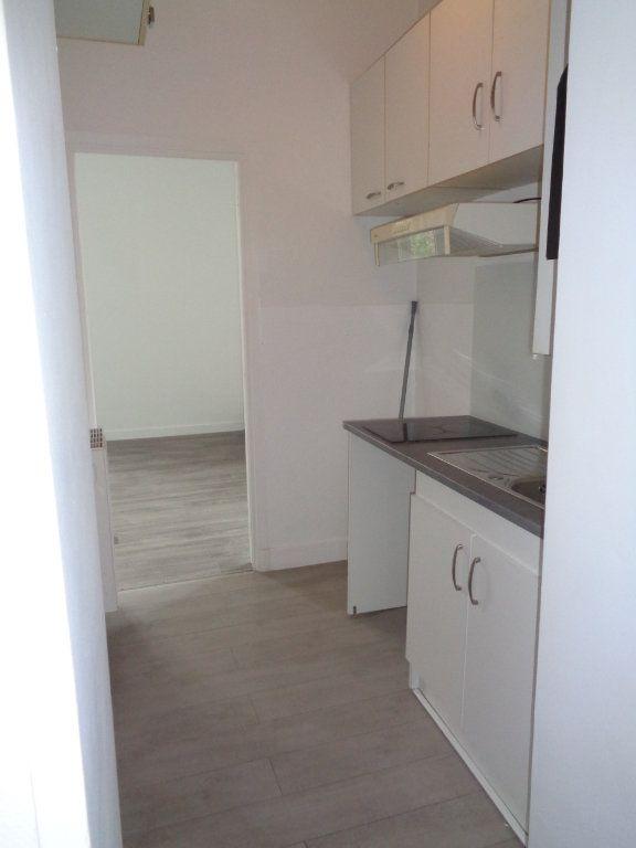 Appartement à louer 2 36.55m2 à Neuilly-Plaisance vignette-5