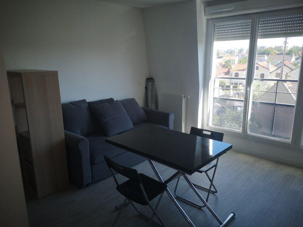Appartement à louer 1 25.75m2 à Aulnay-sous-Bois vignette-3