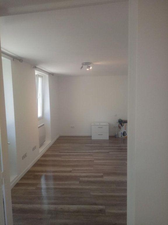 Appartement à louer 1 25m2 à Gagny vignette-2