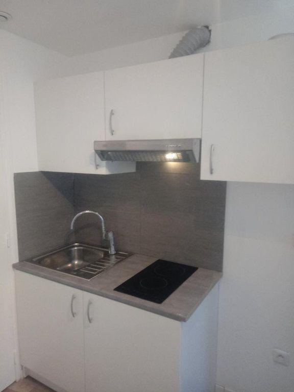 Appartement à louer 1 25m2 à Gagny vignette-3