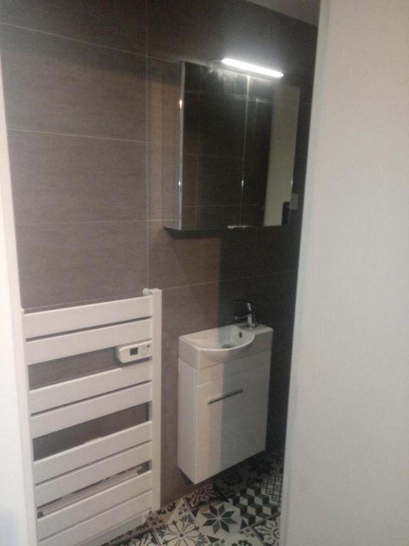 Appartement à louer 1 25m2 à Gagny vignette-4