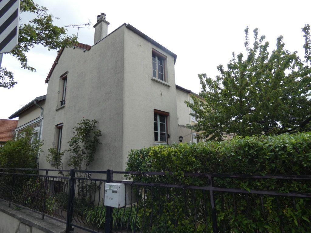 Maison à vendre 3 67m2 à Villemomble vignette-1
