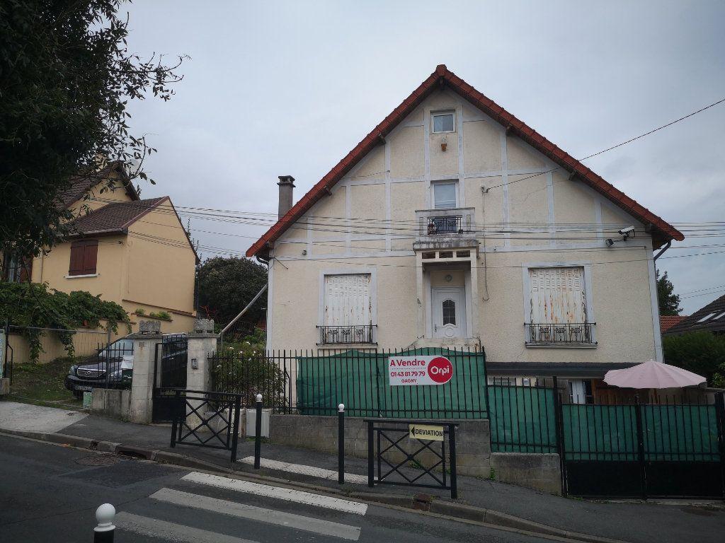 Appartement à louer 3 48m2 à Gagny vignette-1