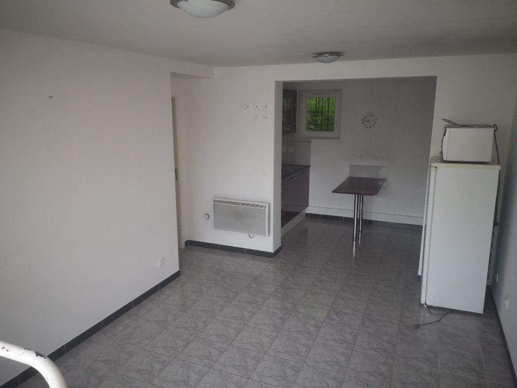 Appartement à louer 3 48m2 à Gagny vignette-2