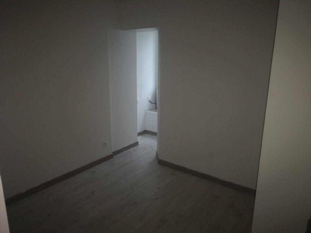 Appartement à louer 3 48m2 à Gagny vignette-3