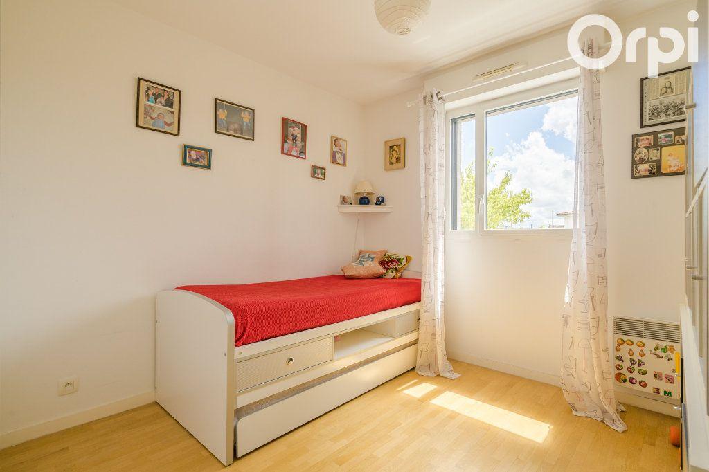 Appartement à vendre 4 80.78m2 à Gagny vignette-10