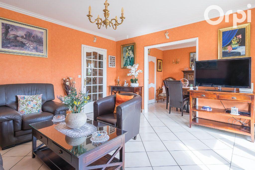 Appartement à vendre 4 76.8m2 à Gagny vignette-4