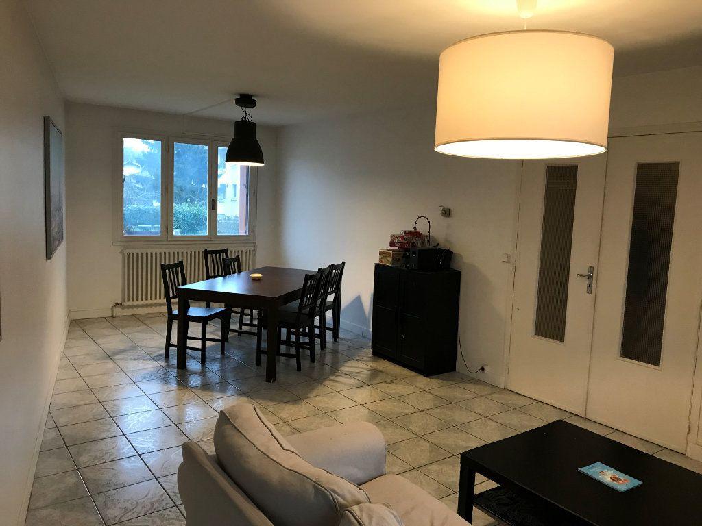Appartement à louer 1 13m2 à Livry-Gargan vignette-3