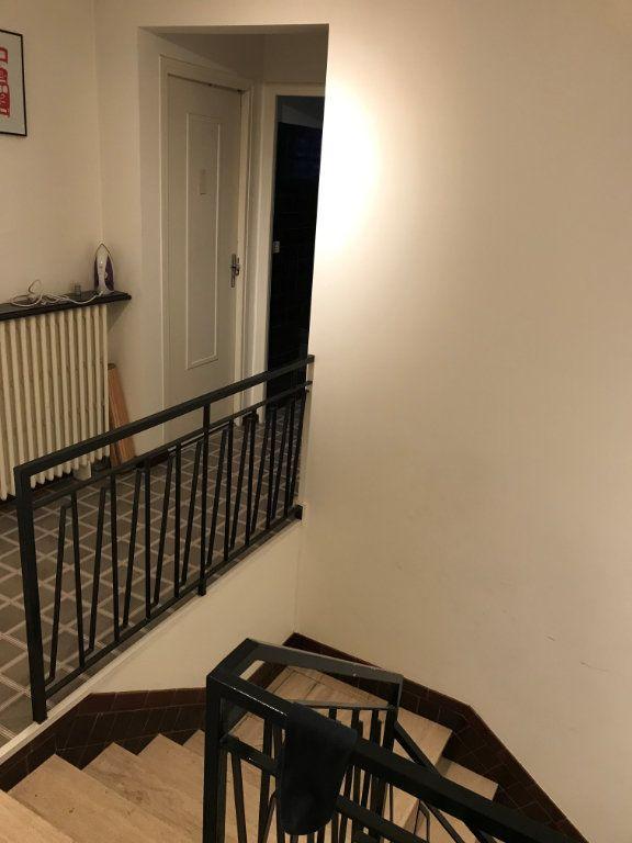 Appartement à louer 1 13m2 à Livry-Gargan vignette-5
