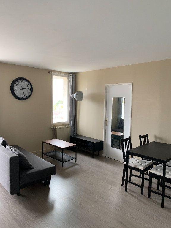 Appartement à louer 2 39.11m2 à Cergy vignette-1