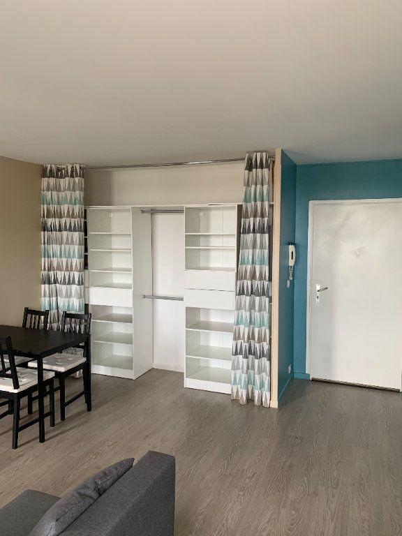 Appartement à louer 2 39.11m2 à Cergy vignette-4