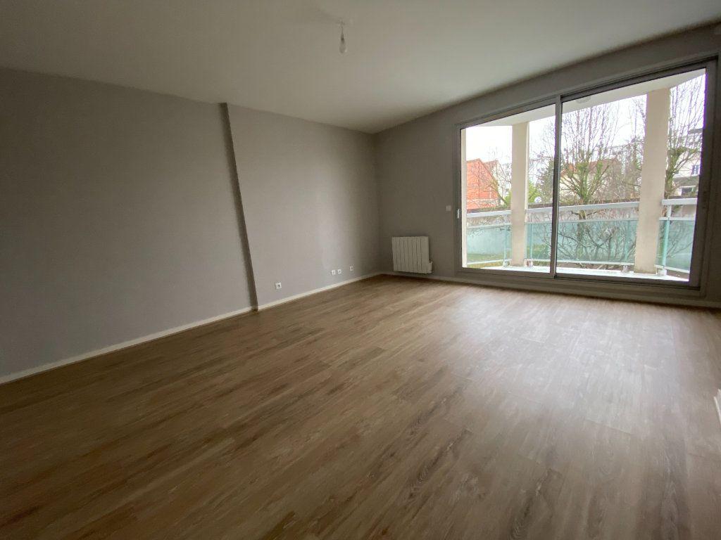 Appartement à louer 2 46.51m2 à Livry-Gargan vignette-5