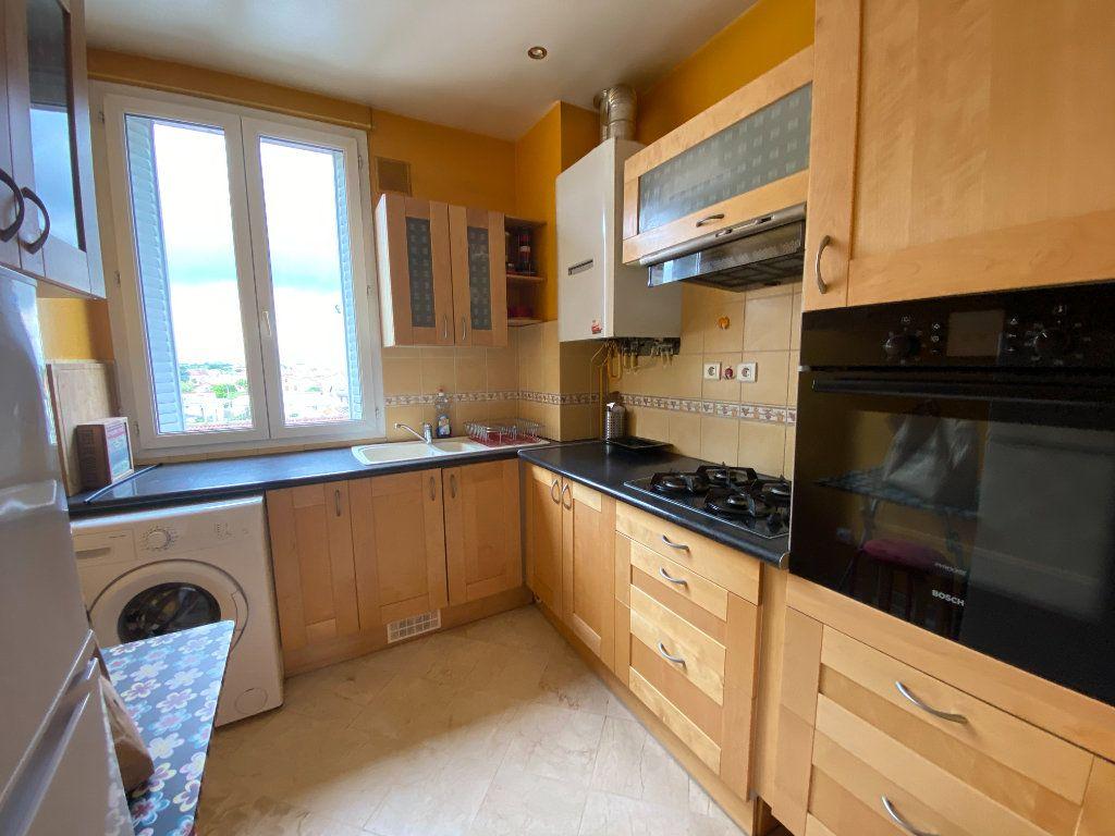 Appartement à louer 3 53.2m2 à Villemomble vignette-2