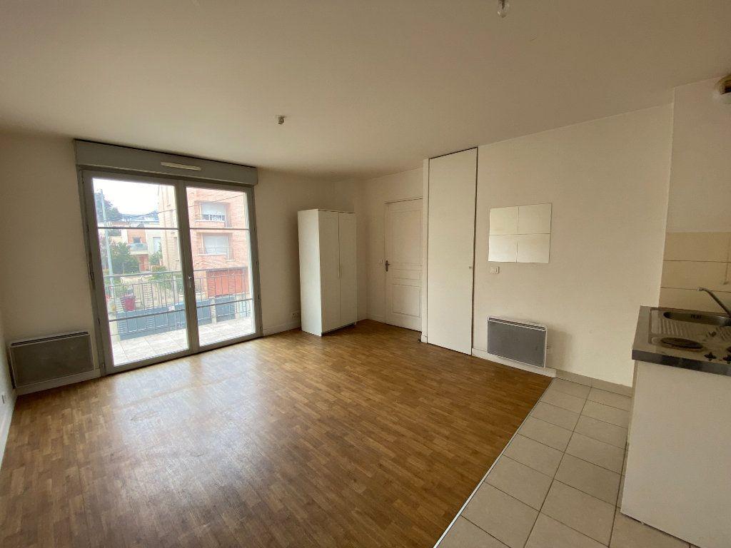 Appartement à louer 1 26m2 à Tremblay-en-France vignette-1