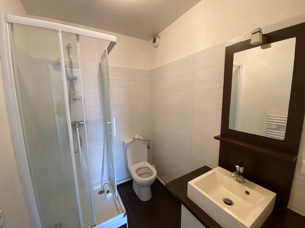 Appartement à louer 1 26m2 à Tremblay-en-France vignette-3