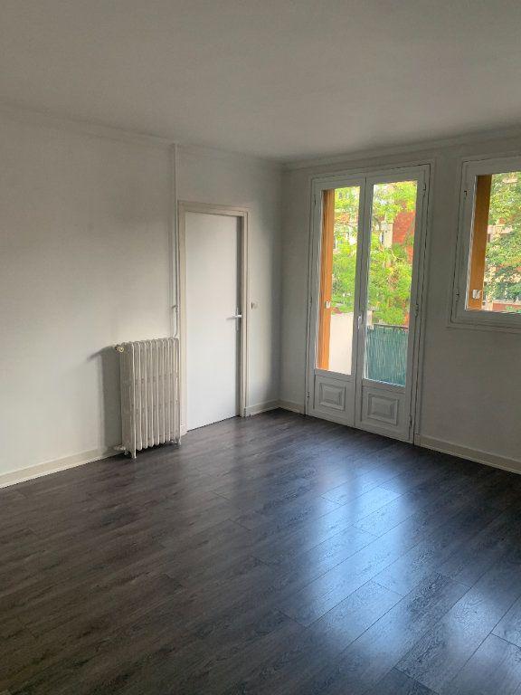 Appartement à louer 4 66.91m2 à Livry-Gargan vignette-3