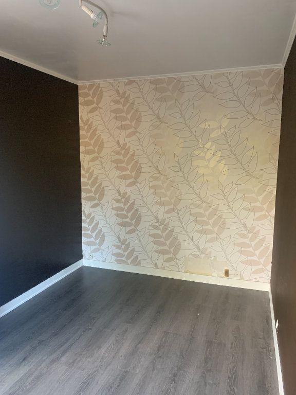 Appartement à louer 4 66.91m2 à Livry-Gargan vignette-4