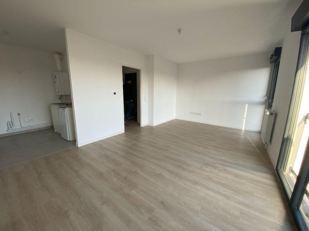 Appartement à louer 1 33.3m2 à Saint-Denis vignette-2