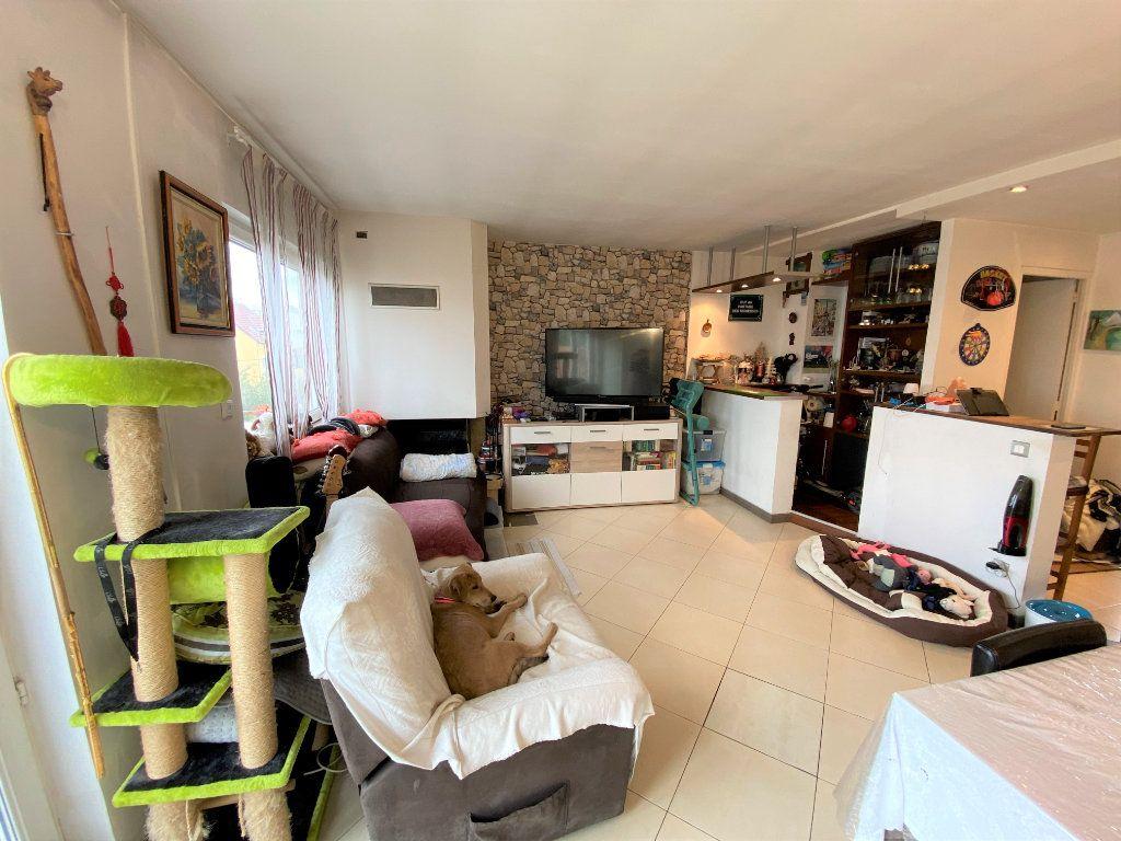 Appartement à vendre 3 62.26m2 à Bondy vignette-2