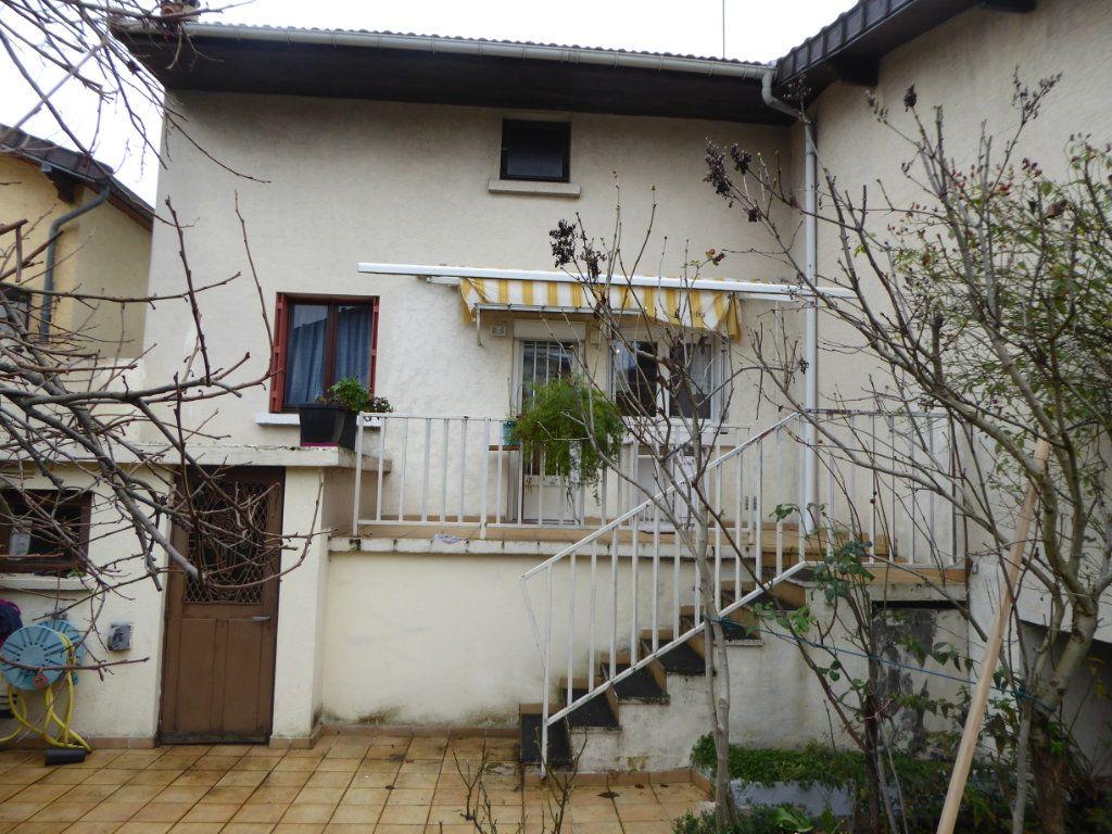 Maison à vendre 4 90m2 à Le Blanc-Mesnil vignette-9