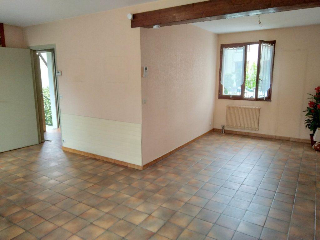 Maison à vendre 4 80m2 à Bobigny vignette-1