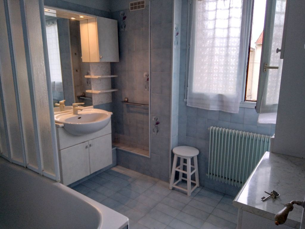 Maison à vendre 4 80m2 à Bobigny vignette-5