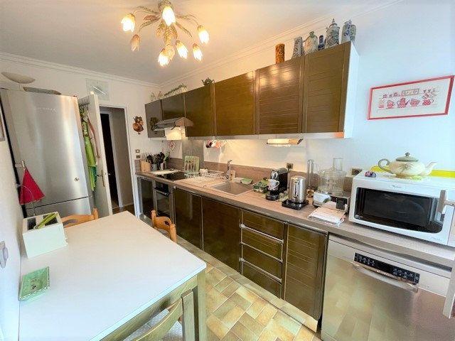 Appartement à vendre 3 75m2 à Bobigny vignette-3