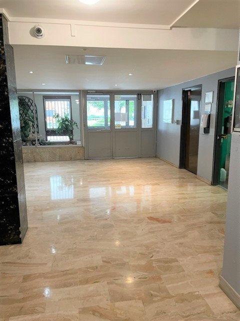 Appartement à vendre 3 75m2 à Bobigny vignette-9