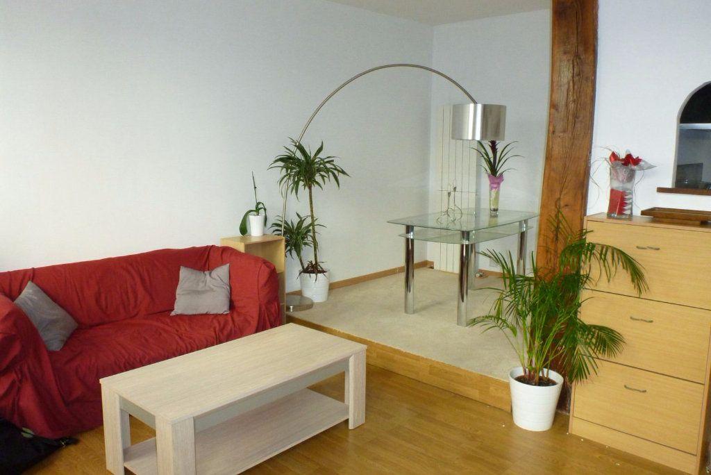 Appartement à louer 2 49.74m2 à Fontainebleau vignette-2