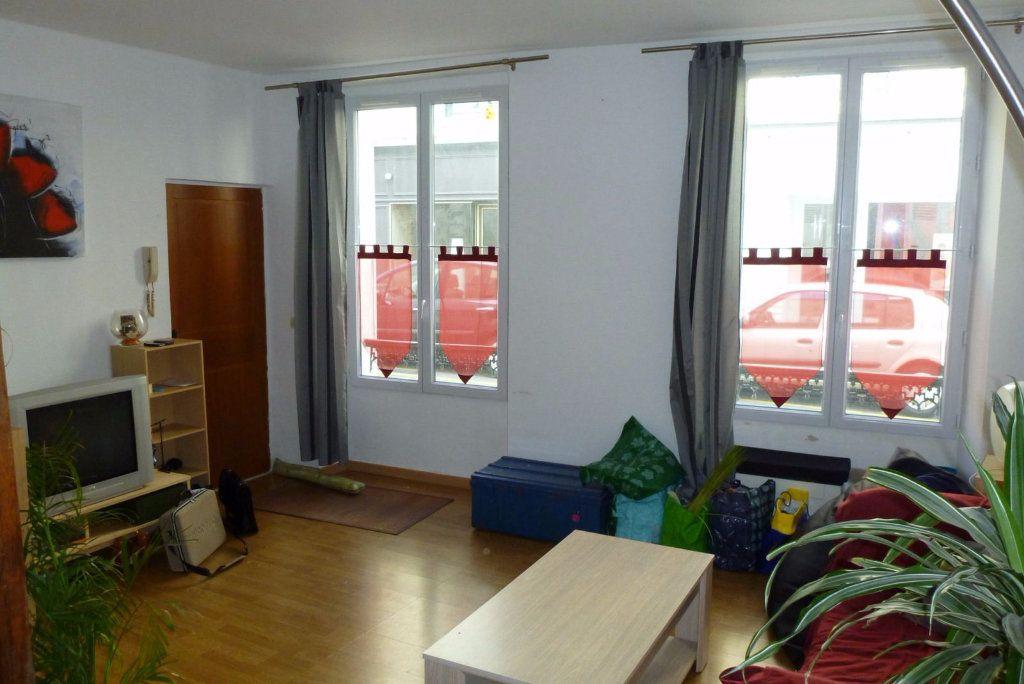 Appartement à louer 2 49.74m2 à Fontainebleau vignette-3