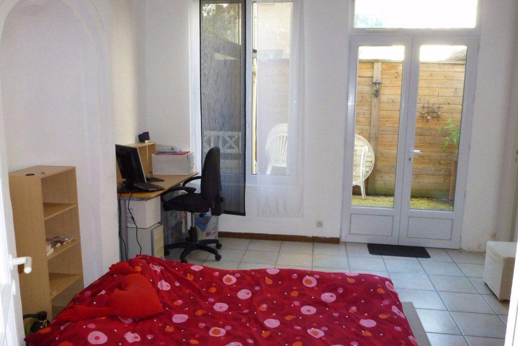 Appartement à louer 2 49.74m2 à Fontainebleau vignette-4