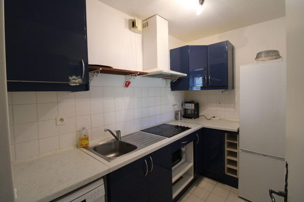 Appartement à louer 3 66m2 à Barbizon vignette-3