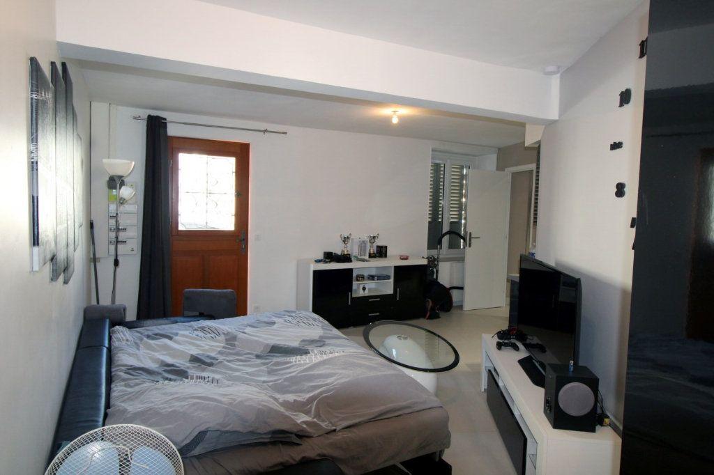 Appartement à louer 1 27.26m2 à Chailly-en-Bière vignette-1