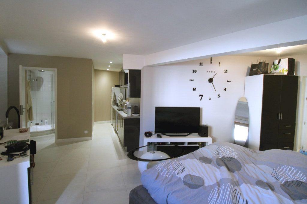 Appartement à louer 1 27.26m2 à Chailly-en-Bière vignette-2