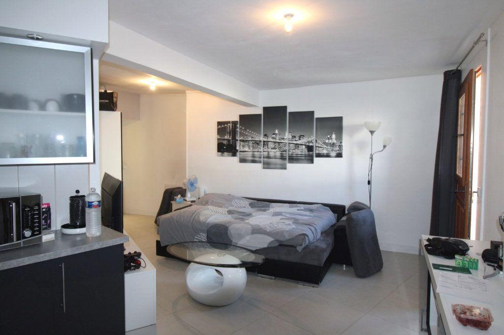 Appartement à louer 1 27.26m2 à Chailly-en-Bière vignette-3