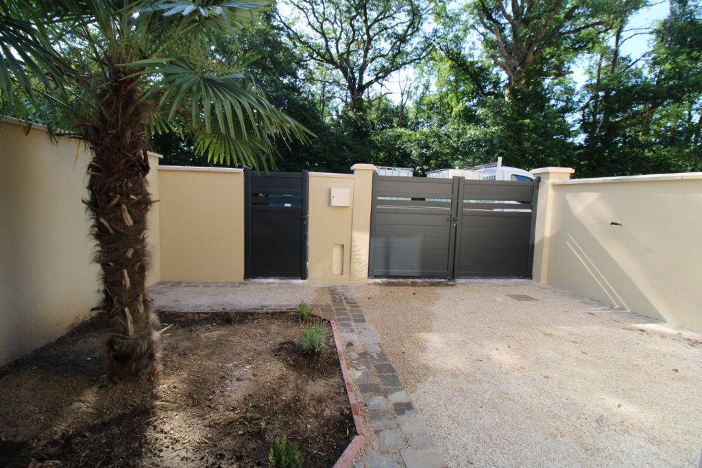Maison à vendre 5 110m2 à Dammarie-les-Lys vignette-1