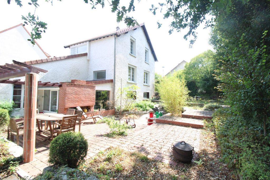 Maison à vendre 7 210m2 à Dammarie-les-Lys vignette-1