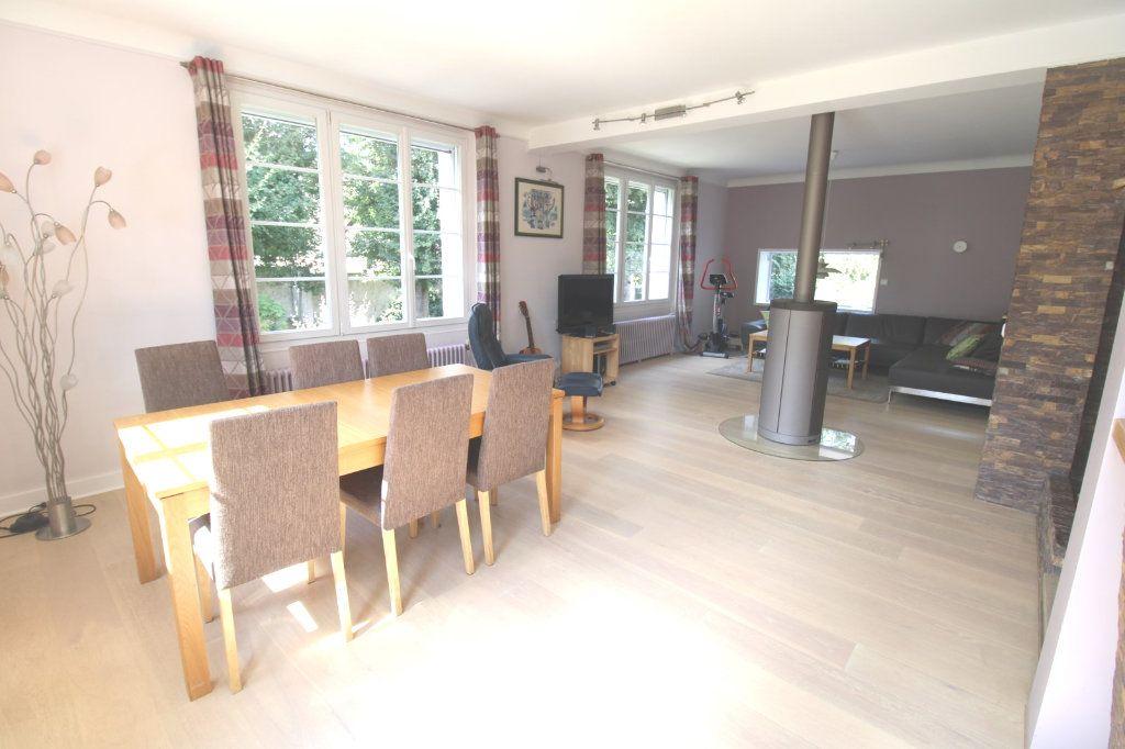 Maison à vendre 7 210m2 à Dammarie-les-Lys vignette-3