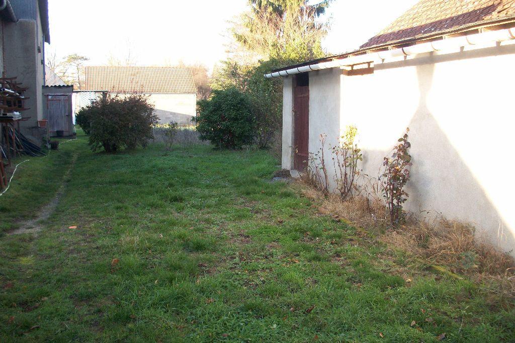 Maison à louer 3 50m2 à La Ferté-Saint-Cyr vignette-6